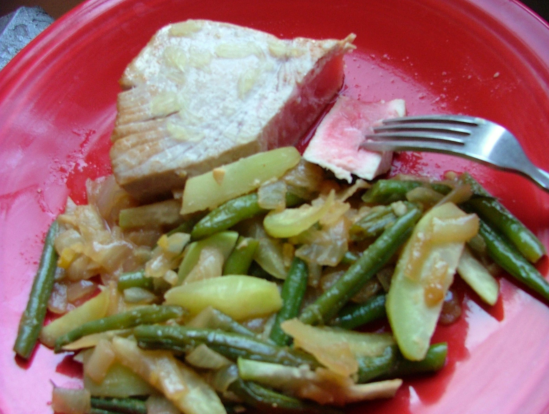 Tuna Steak with Ginger Garlic Green Beans